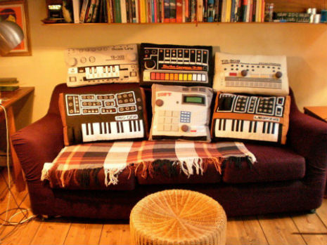 Techno_cushions_full_set